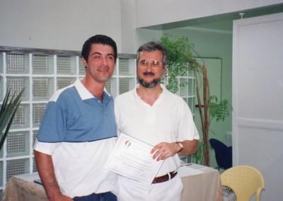 Eu e Dr. Frederic Vinãs 2001 Final Curso DLM
